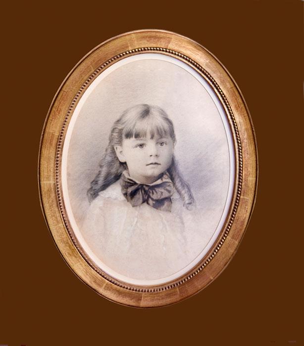 Gilt oval frame on 19thc pencil portrait
