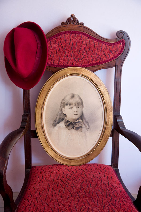 19th century pencil portrait in gilt frame